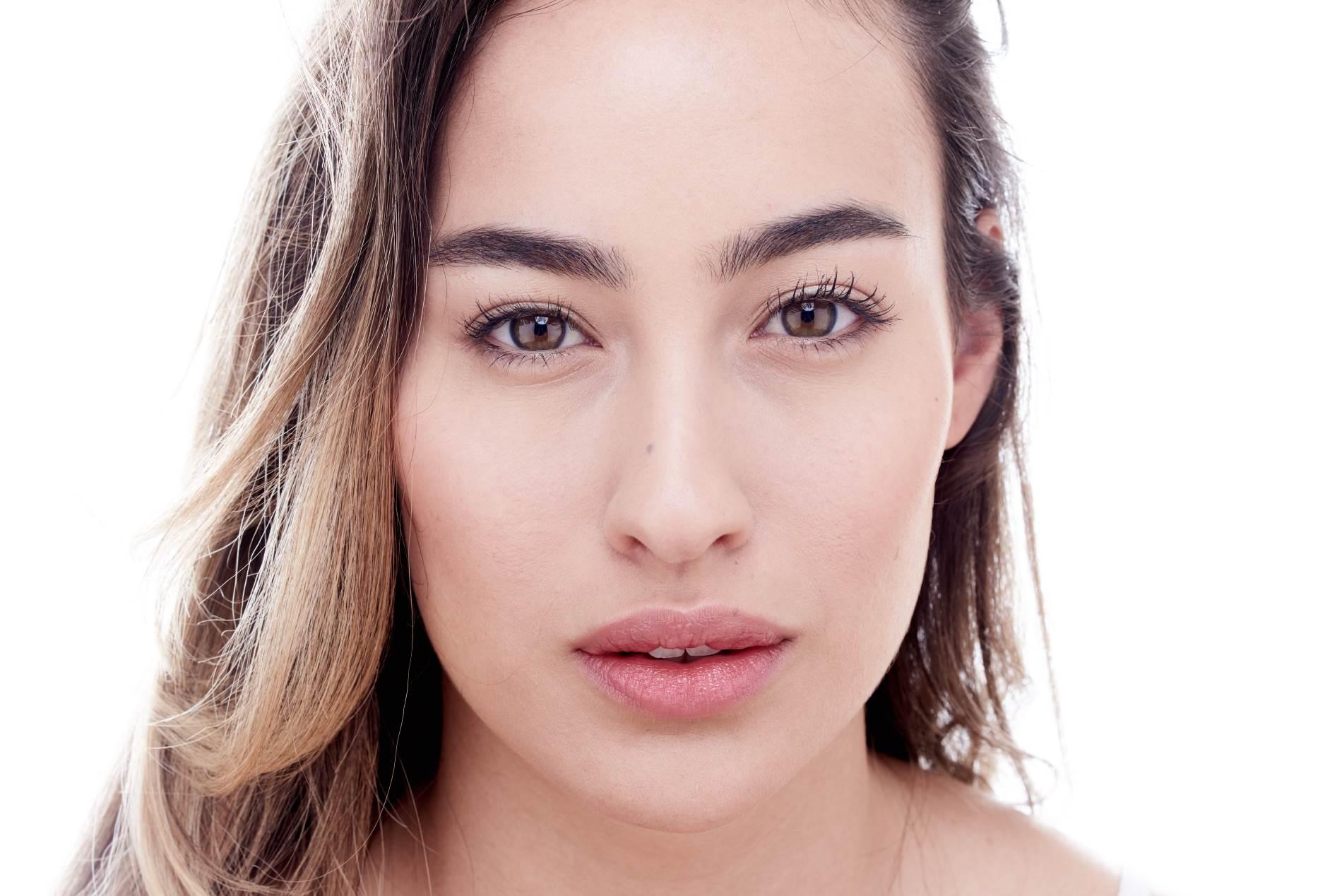 עיבוי שפתיים בפרופורציה